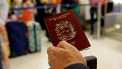 Oficializan validez en Colombia de pasaportes venezolanos vencidos