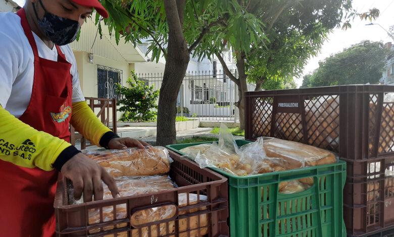 Adrián Freites trabaja recorre más de seis horas por las calles de Barrio Abajo